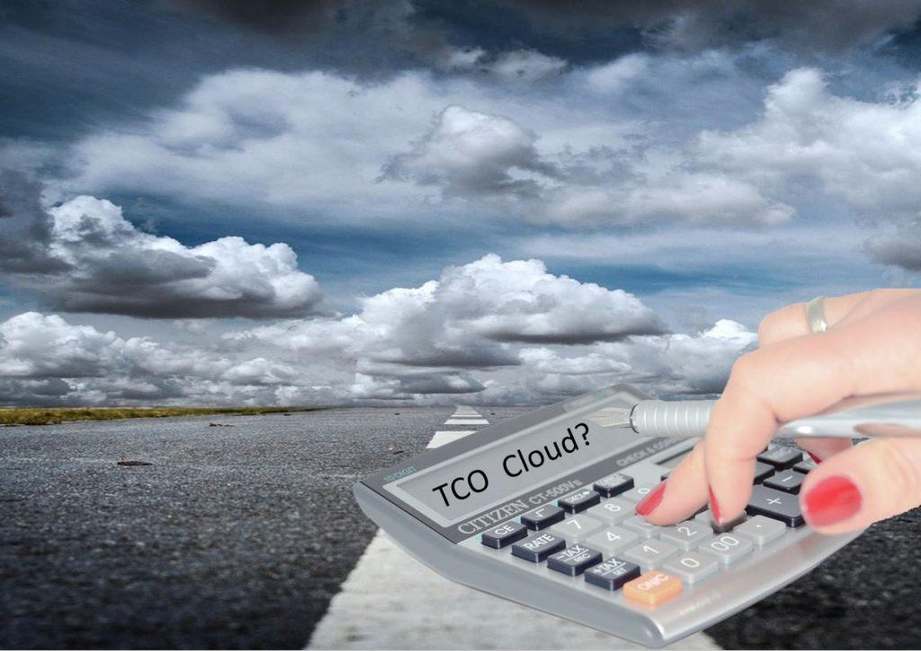 """¿Cuánto dinero se ahorra realmente una empresa en la """"Nube""""?"""