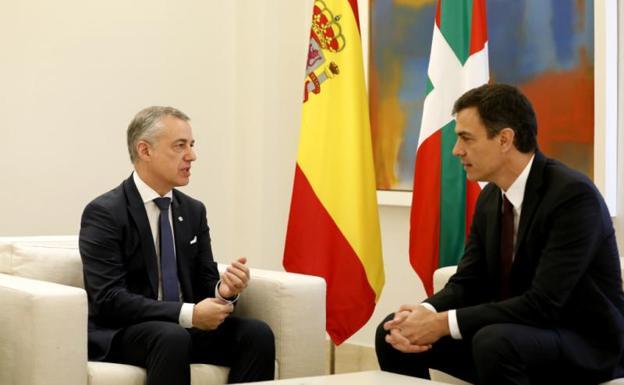 ¿Por qué Sánchez quiere igualar a las víctimas de ETA con sus verdugos?